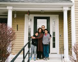 Coronavirus: Front porch photo projects show how families cope