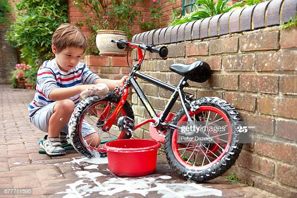 Bike Wash Stock Pictures, Royalty-free Photos & Images - Getty Images